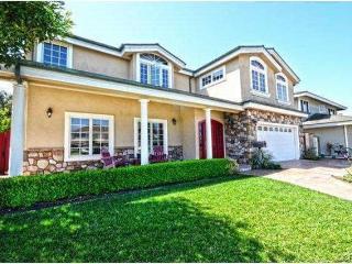 Gorgeous 6BR / 4BA House (8 mins to the water!), Huntington Beach