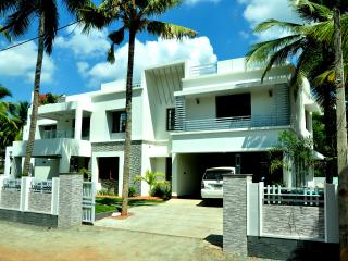 shamrock homestay or holiday homes,vacation rental, Thiruvalla