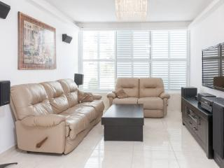 VIP apartment 5 minutes from TLV