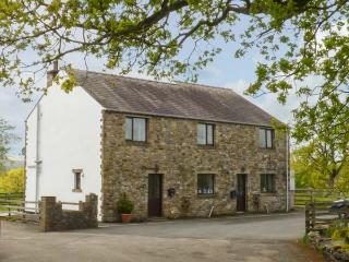 MALLARD, semi-detached, open fire, WiFi, off road parking, enclosed garden, in Clitheroe, Ref 918772