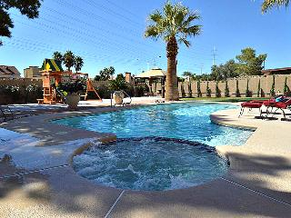 Close to the strip! Pool, Spa, Putting Green NV41, Las Vegas
