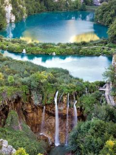 Plitvice Lakes National Park, a great example of nature's beauty ( 35 minutes on motorways)