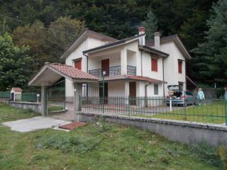 Fittasi Villa in Bagnoli Irpino Altopiano Laceno