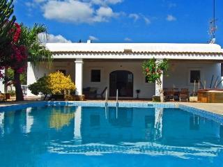 Spectacular villa 10pax close to Ibiza
