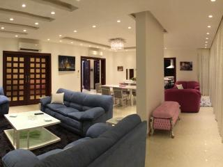 Bright & Central Luxury Apartment, Beirute