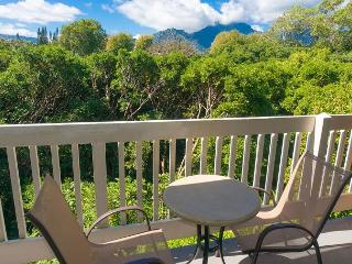 Affordable studio, ocean view, short walk to Hideaways Beach and St Regis, Princeville