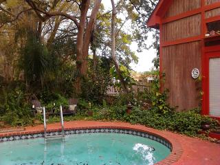 Furnished  Pool Cottage, nr. Gulf , airport, Clearwater