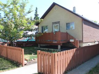 New2BD basement apt in central Edmonton/LRT