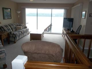 Spectacular 2 Level Lakefront 3 Bd/3 Bath, WIFI, Spring Specials! Small Complex