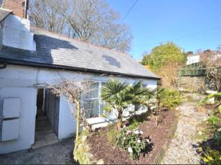 Wild Lily Cottage - Just 400m from one of the most beautiful beaches in Cornwall
