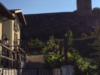 Sotto il campanile, Rocca di Mezzo