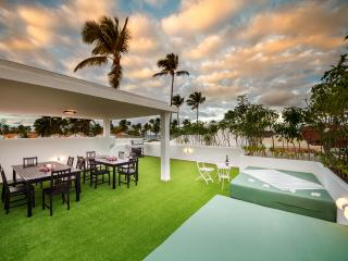 Beach Front Penthouse Condo with Roof Top Terrace, Bavaro
