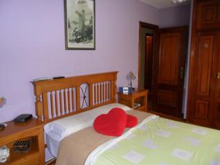 Piso de 4 habitaciones a 10 min de la playa (8per), Vilagarcia de Arousa