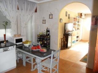 Piso de 4 habitaciones a 10 min de la playa (6per), Vilagarcia de Arousa