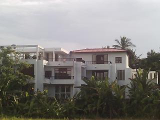 Ameesha Lodge  Embuldeniya,Nugegoda Colombo
