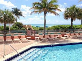 Beachfront Full Ocean View NE Corner 1/1, 2 Queen Beds for 6 HEATED POOL 661