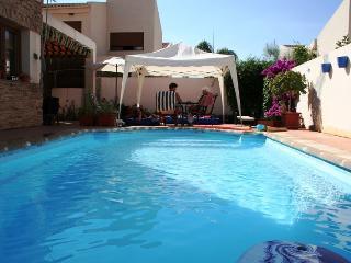 Casa con piscina, Wi-Fi, prensa hasta 7 el ZAHOR, Dúrcal