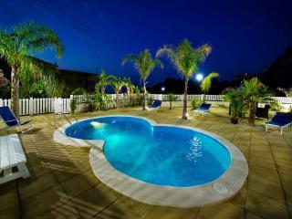 Villa Oleandro 12 posti 3 bagni con piscina, Alcamo