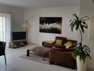 Central. St Julians modern luxury apartment, Saint Julians