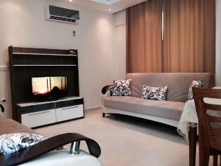 Living room with air condition, 32' LED 3D TV