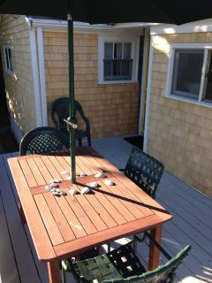 Deck for dining