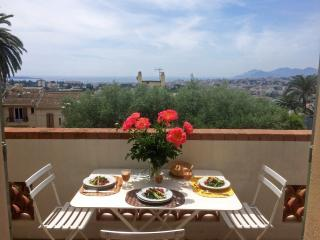 CANNES LE CANNET VILLA SEAVIEW 4 BEDROOMS WI-FI