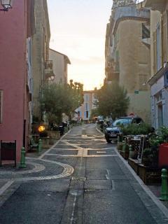 Le Cannet : la rue Saint-Sauveur