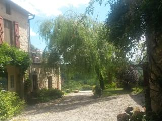 Gite in converted farmhouse with use of pool