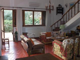 Villa Il Bagattino, casa vacanze con giardino vicino alla spiaggia di Punta Ala