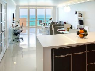 OCEAN FRONT VILLAGE #12 - 2Bed / 2Bath, North Miami Beach