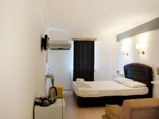 Pudra Hotel