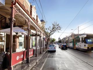 FitzGeorge - 2 bedroom in prime Melbourne location