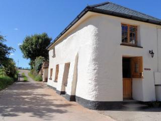 PARKS Cottage situated in Crediton (6.5mls N)