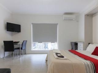Malcolm 4, Perth