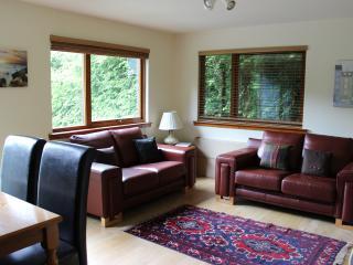 Loch Ness Cottage Lounge
