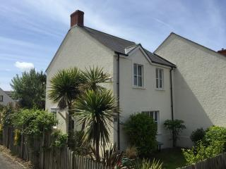 BROAD HAVEN HOLIDAY HOME - DOG FRIENDLY!!, Broad Haven