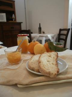 Marmellate fatte in casa con frutta di stagione