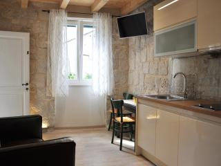 Studio apartment in an old Villa, Split