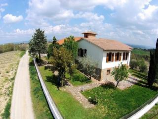 Casale tra le vigne toscane, San Gimignano