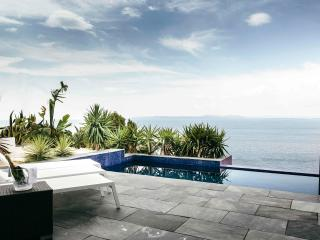 magnificent house with sea view, Rosas