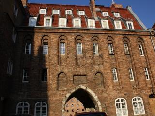 Trader's Gate river front spacious apartment, Gdansk