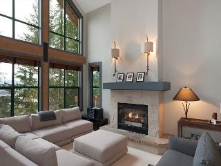 Northern Lights #45 | 3 Bed + Den Townhome, Mountain Views, Private Hot Tub, Whistler
