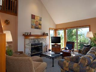 Painted Cliff #13 | 3 Bedroom Cozy Ski-in/Ski-out Townhome, Shared Hot Tub, Whistler