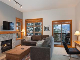 Mountain Star #1 | 2 Bed + Den Townhome, Nearby Ski Access, Private Hot Tub, Whistler