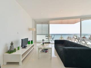 Apartamentos Playa d'en Bossa, Ibiza Ciudad
