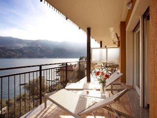 Elegante appartamento moderno Laglio Ribolla Azzuro.