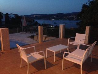 apartamento playa 4-6 plazas,con terraza y piscina, Cangas do Morrazo
