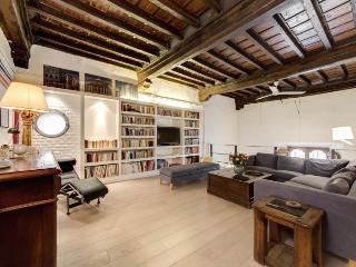 Montserrato di Fiori apartment in Centro Storico …