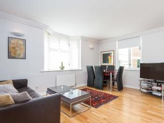 Brilliant 2 bed apartment in Mayfair, London