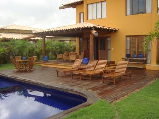 Casa 4 suites Cond.Reserva Imbassai (A01)